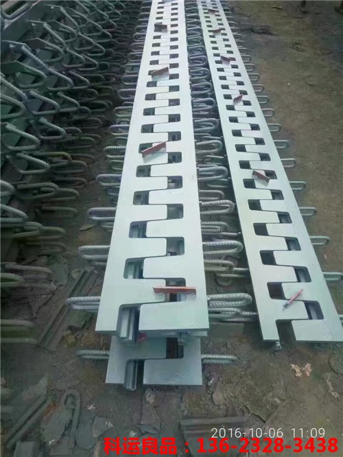 120米简易型KY-SF梳齿钢板桥梁伸缩缝装置已发货2